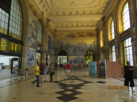 Sao Bento train station_01