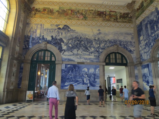 Sao Bento train station_02